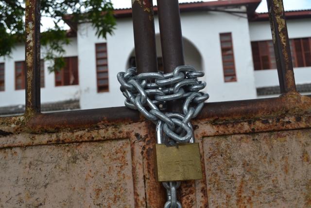 Tradicionais escolas da Av. FAB estão fechadas para reforma