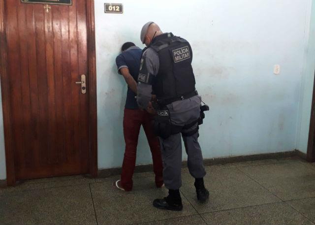 Homem é preso ao furtar vasos sanitários no Macapaba