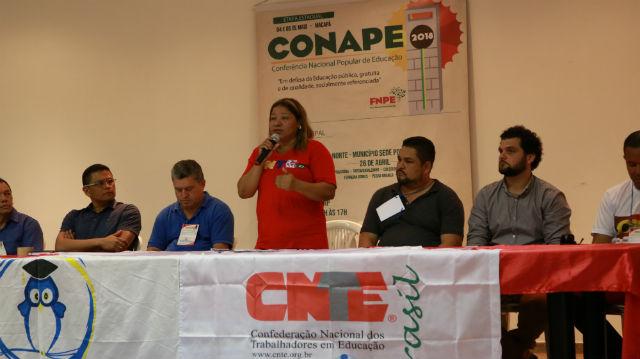 Conferência pela qualidade na educação reúne 8 cidades em Santana
