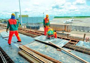 Aeroporto será entregue antes do tempo previsto, diz ministro