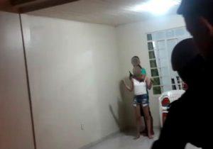 Após roubo frustrado, menor faz mulher refém no Muca