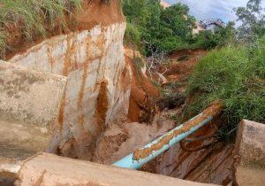 Cratera de 15 metros assusta em Vitória do Jari