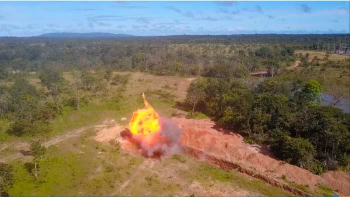 VÍDEO: PF explode máquinas usadas em garimpo ilegal