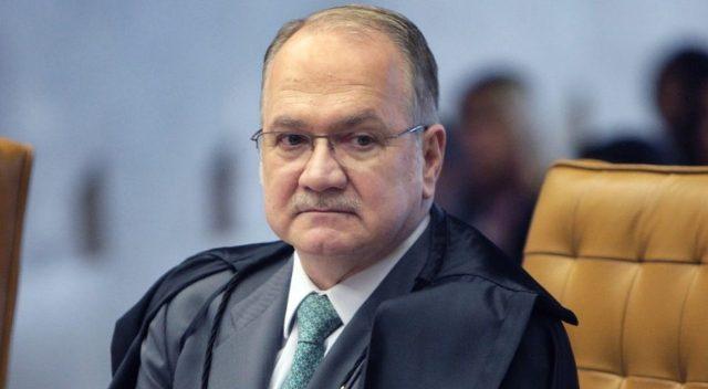 Decisão de ministro do STF põe em risco 2 mil servidores do Amapá