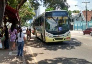 Mesmo com frota reduzida, ônibus têm combustível para circular só até quinta, 31