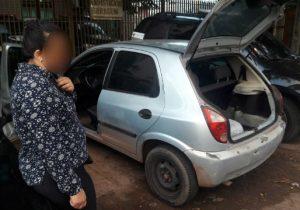 Homem é preso escondido em carro que estava sendo furtado