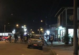 Homem fura pneus de carros, invade batalhão policial e ameaça se matar