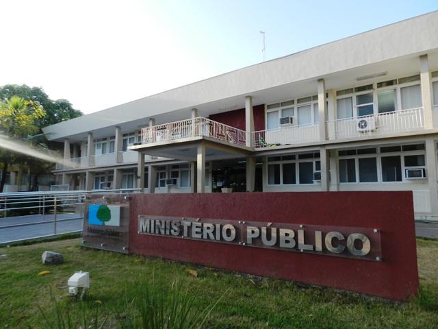Prefeito de Ferreira Gomes é denunciado por fraude em licitação