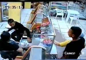 VÍDEO mostra bandidos assaltando padaria na zona sul de Macapá