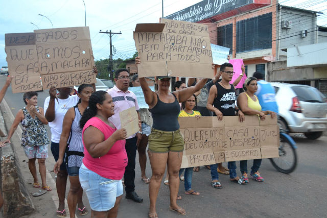 Moradores fazem ato contra ação de desocupação do Jandiá