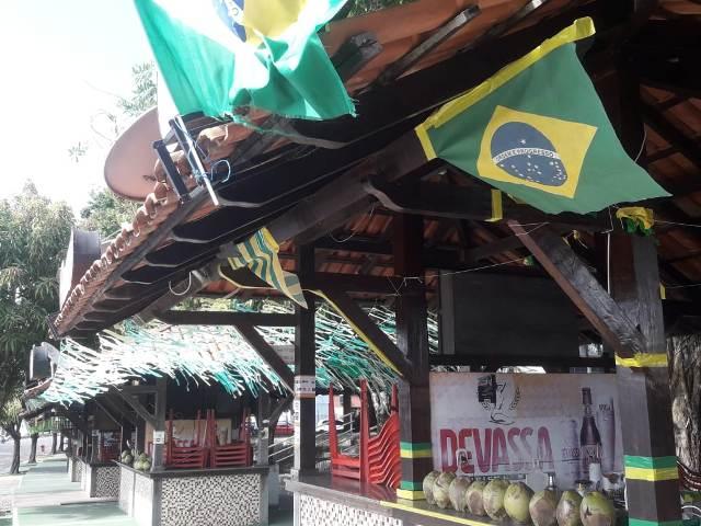 Empresários preparam bares para Brasil X Sérvia