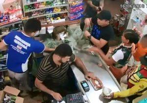 VÍDEO mostra funcionário de mercearia sendo morto com tiro na nuca