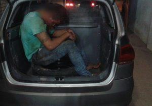 Ladrão é espancado após cair de moto