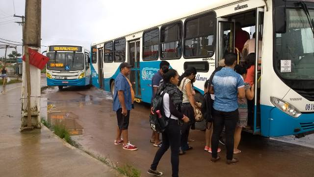 Após acordo, rodoviários suspendem greve em Macapá