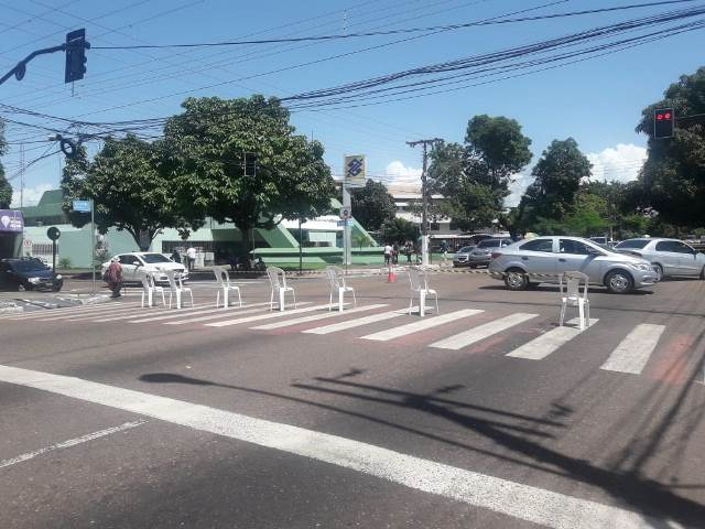Professores e rodoviários fazem greve nesta quarta, 27