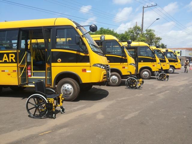 Empresas de transporte escolar devem se regularizar até o final do mês