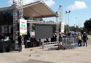 Em Macapá, praça ganha telão para Brasil x México