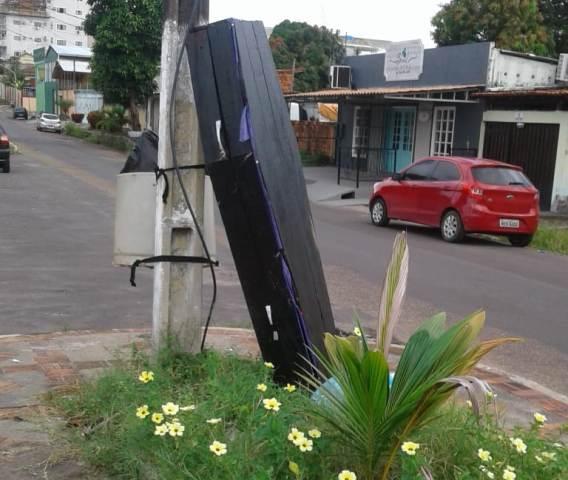 Caixão é abandonado no Centro de Macapá