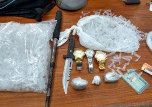 PM captura suspeito com pinos de cocaína