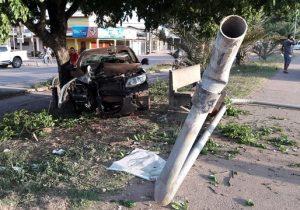Motorista cochila e atropela morador de rua que dormia