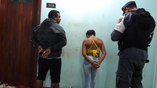 Casal que levava drogas para Fazendinha é preso em barreira