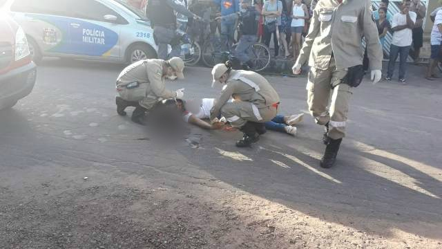 Ao entregar bolo, mulher é morta em emboscada para namorado