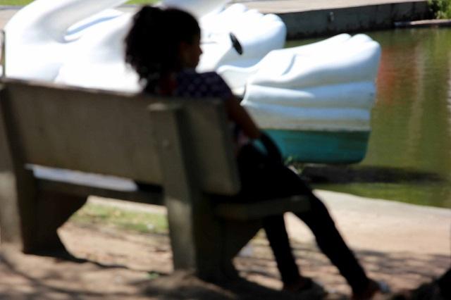 Jovens com transtornos mentais passam por terapia na Praça Floriano Peixoto