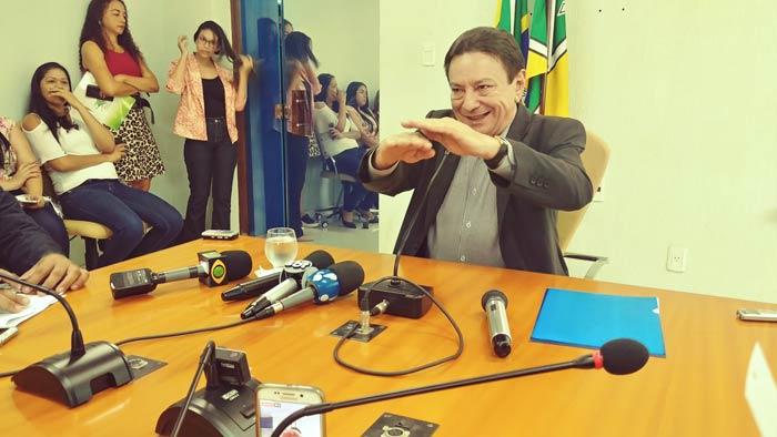 Em nota, governo do Amapá diz que renúncia faz parte do jogo democrático