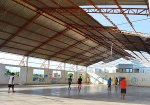 Prédio da Subprefeitura da Zona Norte é usado para futebol de fim de tarde