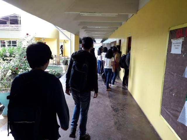 Estudantes voltam às aulas de olho no Enem