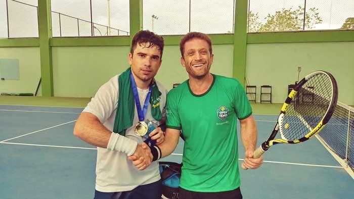 Bougainvillea: Moradores participam de Open de Tênis