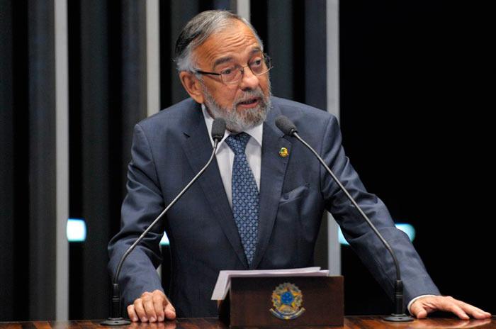 Capiberibe pede pressa em votação que limita alcance da Lei da Ficha Limpa