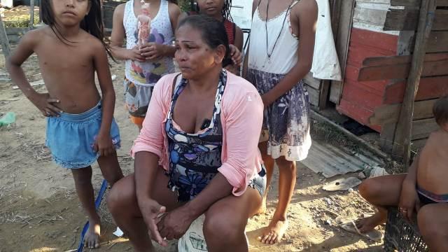 Mãe perde tudo em incêndio causado por filho drogado