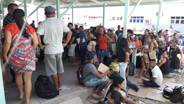 Pacientes denunciam espera de mais de 24h para marcação de consulta