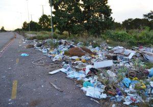 Rodovia Norte Sul: mato alto, lixo e medo