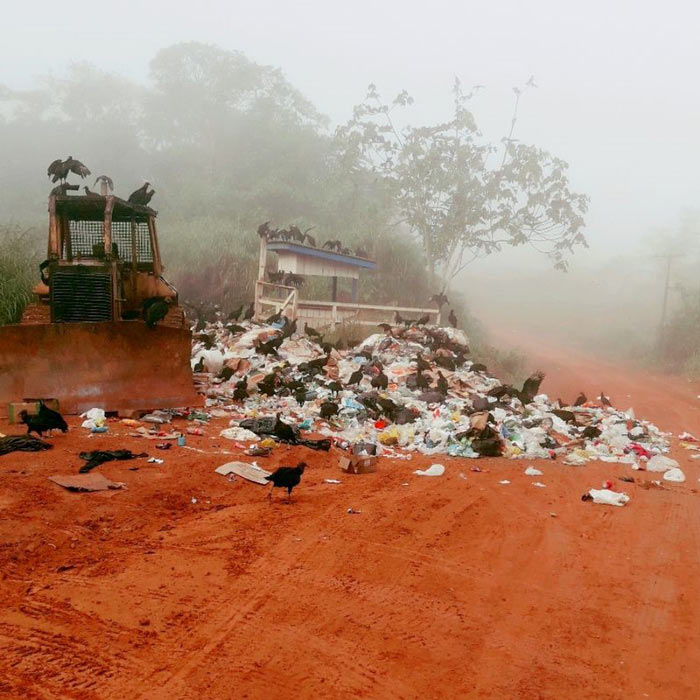 Mesmo com risco de explosão, lixão ainda recebe 50 ton/dia