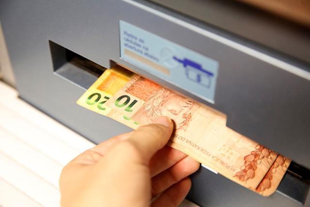 Para evitar boca de urna, Justiça limita saques bancários a R$ 5 mil