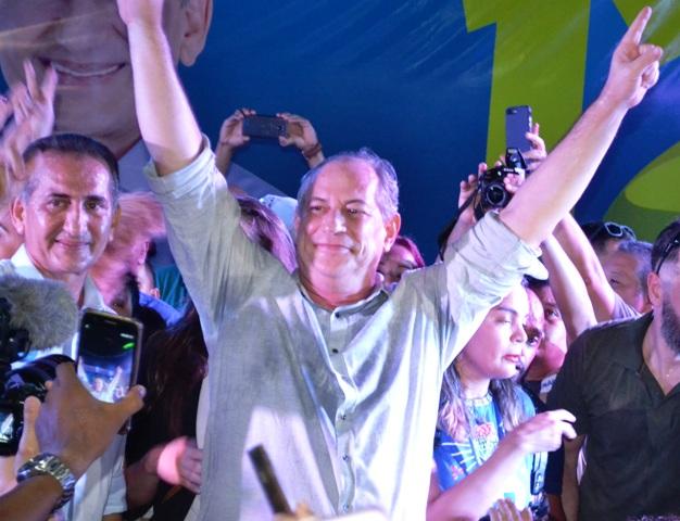 Em Macapá, Ciro Gomes promete revisão ambiental para garantir renda à população