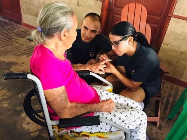 Alunos em formação de soldado fazem ação social em Macapá e Santana