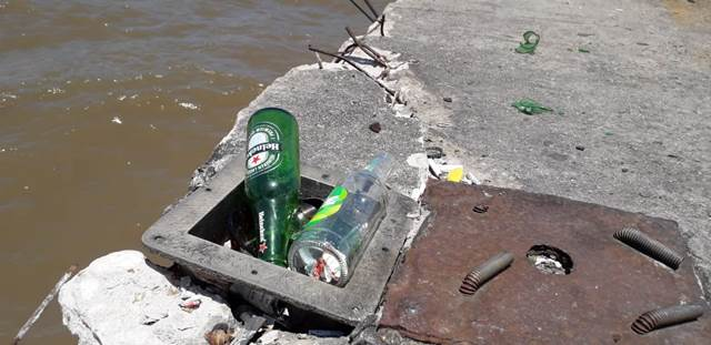 Rampa do Santa Inês: garrafas quebradas e lixo são heranças do fim de semana