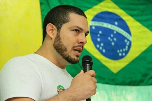 PSL, de Bolsonaro, declara apoio a Waldez