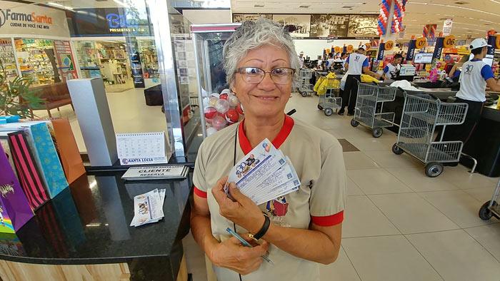 Promoção: Sorteio de TVs, celulares e vales mobiliza clientes do Santa Lúcia
