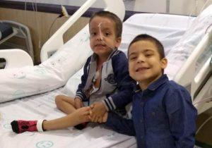 Menino de 7 anos doa medula e salva vida do irmão com câncer