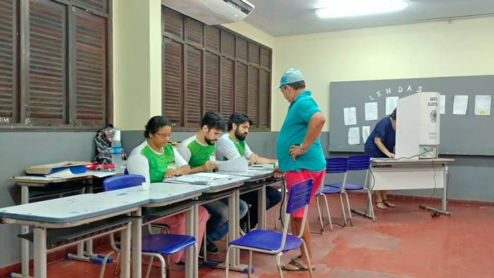 Mais de 85 mil eleitores não votaram no 1º Turno