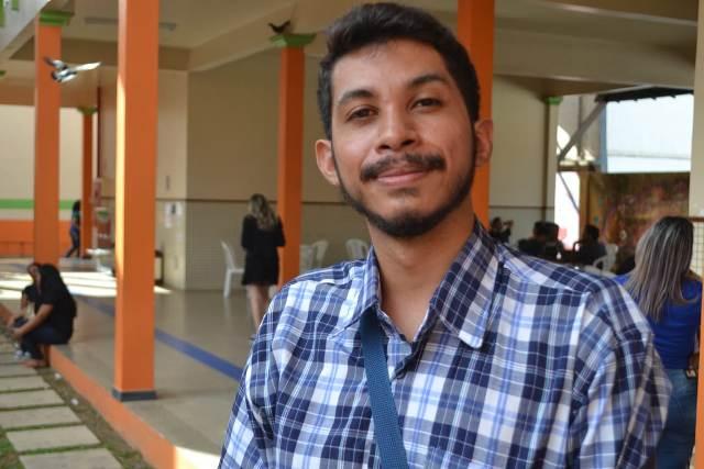 """""""Conversa pode salvar da depressão"""", diz jovem em fórum de combate ao suicídio"""