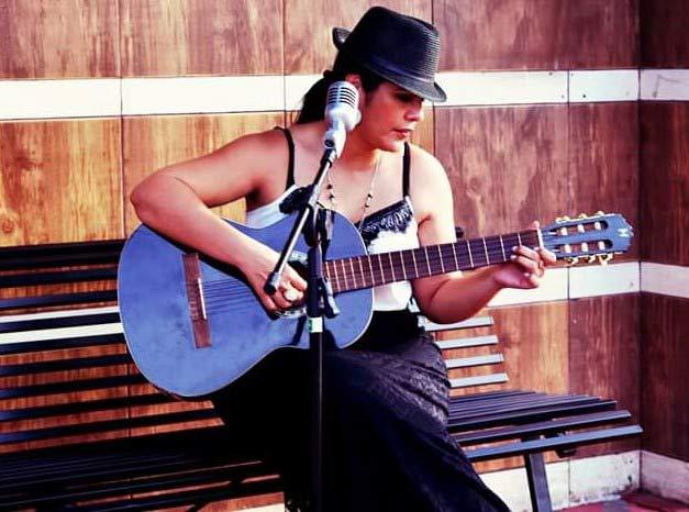 Helô Melém canta Clara Nunes
