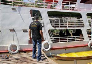 Mosca da carambola: Amapá revista embarcações do Pará