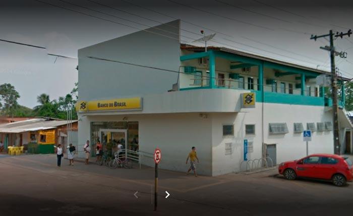 Em Porto Grande, policiais encontram criminoso armado dentro de banco