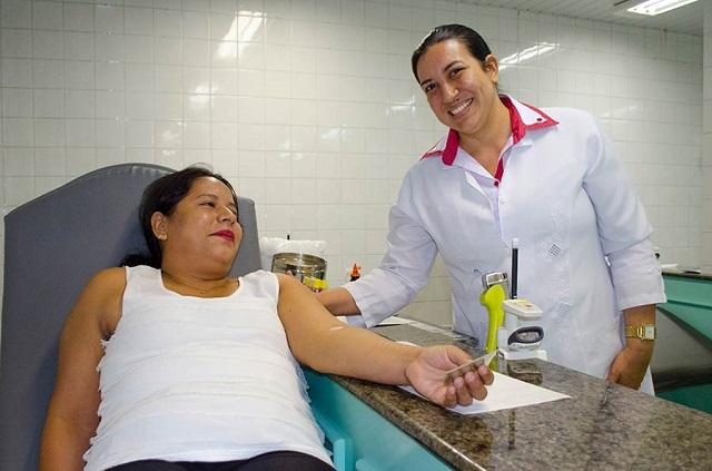 Campanha quer compensar queda de 30% no estoque de sangue