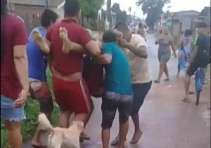 Homem é baleado na frente da casa da mãe